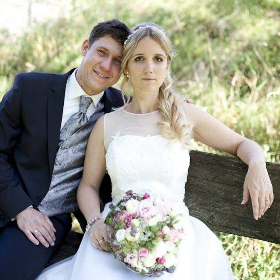 Make-Up und Hairstyling für Hochzeitsfotos